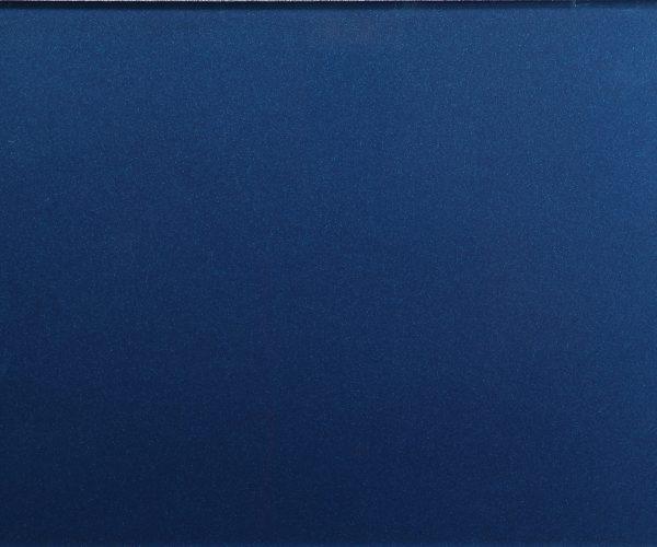 Plavi metalik lak na staklu