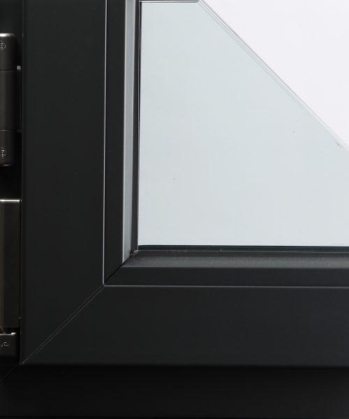 Vodeni metalik lak na PVC prozorskom profilu