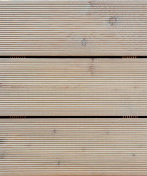 Borma Shield u tonu i Decking ulje na decku od rebrastog ariša