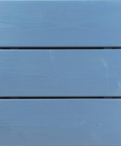 Hibridno ulje u plavoj boji na decku od ariša