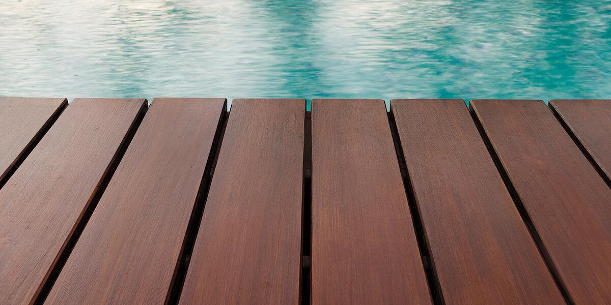 Dekoracija, zaštita i obnova vanjskih drvenih podova bez brušenja